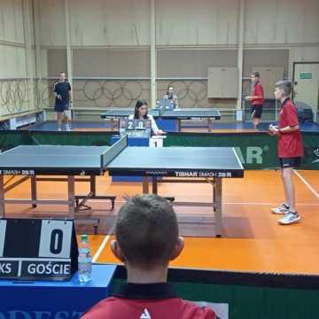 W II lidze tenisa stołowego UMLKS Radomsko wciąż bez zwycięstwa