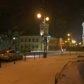 Nadchodzi atak zimy? Zobaczcie Radomsko w niedzielny wieczór