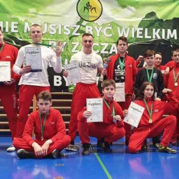10 medali dla zapaśników ZKS Radomsko na turnieju w Warszawie