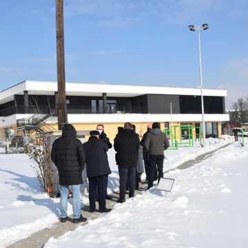 Tak prezentuje się nowy basen w Radomsku. Radni już go widzieli