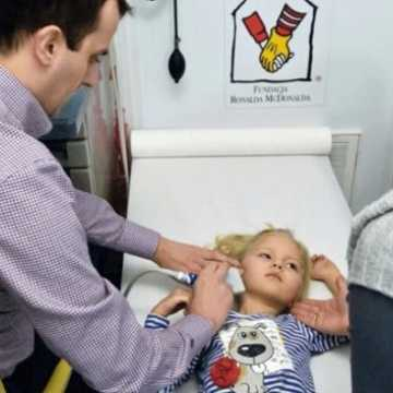 """""""Nie"""" dla nowotworów u dzieci. W Radomsku ruszają zapisy na bezpłatne badania"""