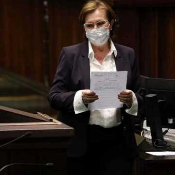 """Ustawa anty-TVN przeszła przez Sejm. A. Milczanowska głosowała """"za"""""""