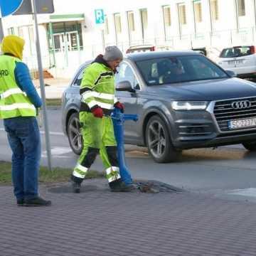 Ruszyły prace przy budowie sygnalizacji świetlnej przy skrzyżowaniu ul. Prymasa Wyszyńskiego i Tysiąclecia w Radomsku