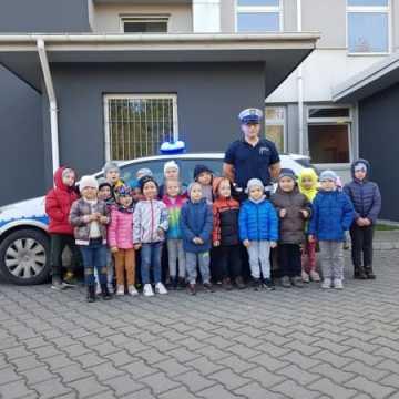 Policjanci z Radomska edukują najmłodszych