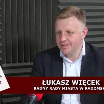 Staszczyk niezależnie. Jarosław Ferenc w objęciach PiS