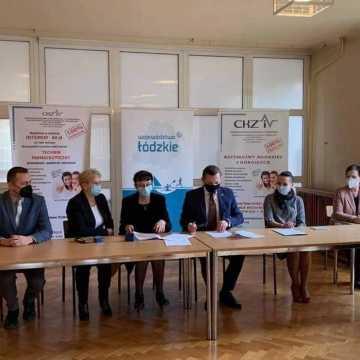 Umowy na dofinansowanie inwestycji w gminach Przedbórz i Kodrąb podpisane