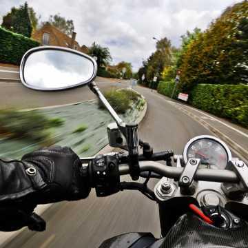 Sezon motocyklowy tuż, tuż. Policjanci apelują