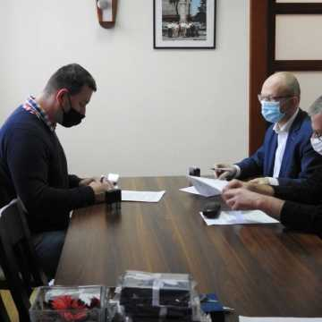 Jest umowa na przebudowę ul. Sportowej w Kamieńsku