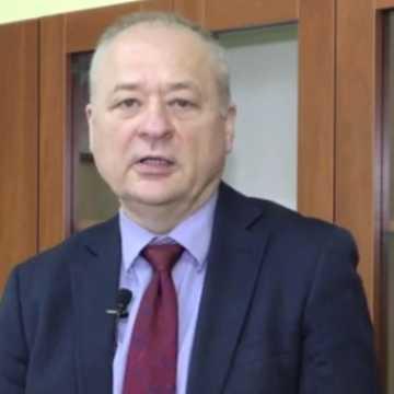 Blisko pół miliona złotych na badania pomagające leczyć Covid-19