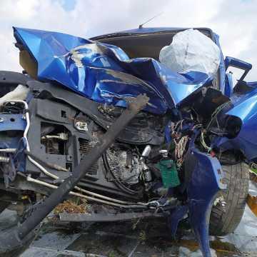 Topisz: samochód wypadł z drogi. Kierowca nie żyje