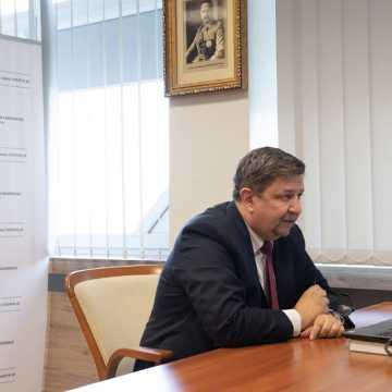 Samorząd Województwa Łódzkiego kupił urządzenie do badania osocza ozdrowieńców