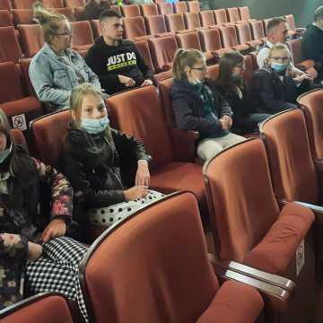 """W MDK w Radomsku podsumowano projekt """"Kamienice - widzowie przeszłości"""""""