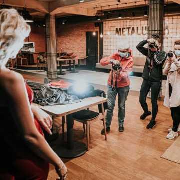 Foto Pozytyw inspiruje i edukuje w przestrzeniach Metalurgii w Radomsku