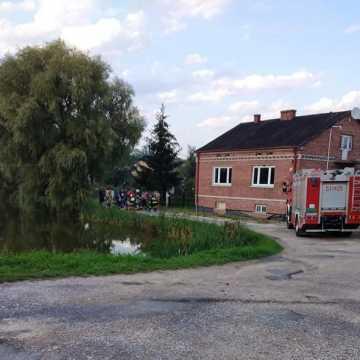 Strażacy ratowali tonącego mężczyznę