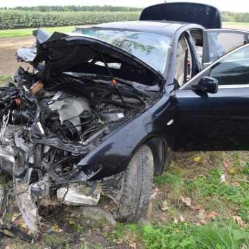 Wypadek pod Makowiskami. BMW wjechało w nissana, którym jechał komendant policji z Radomska
